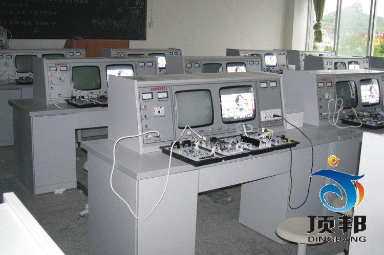 智能型家庭视听影院综合实验室设备(DVD十合一)